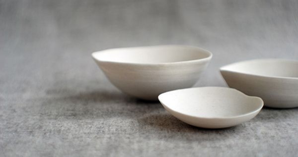 Mutsen met borduring - ceramics-by-janaki-larsen-three-bowls